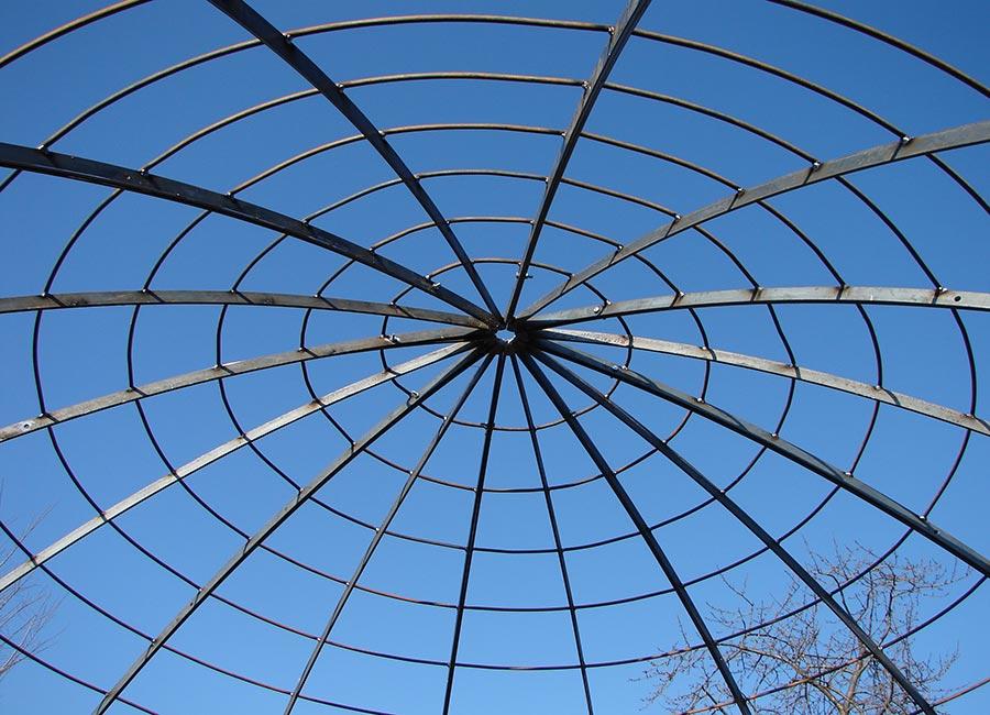 Struttura a cupola per rampicanti