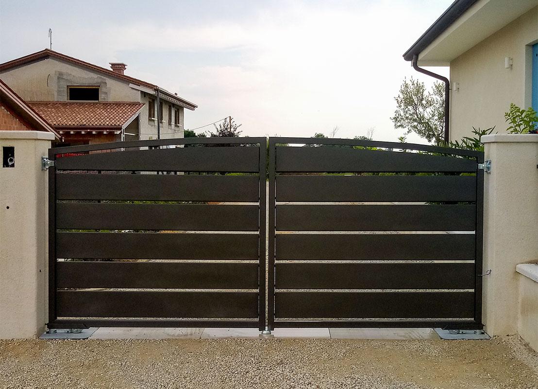 Cancello in lamiera verniciata